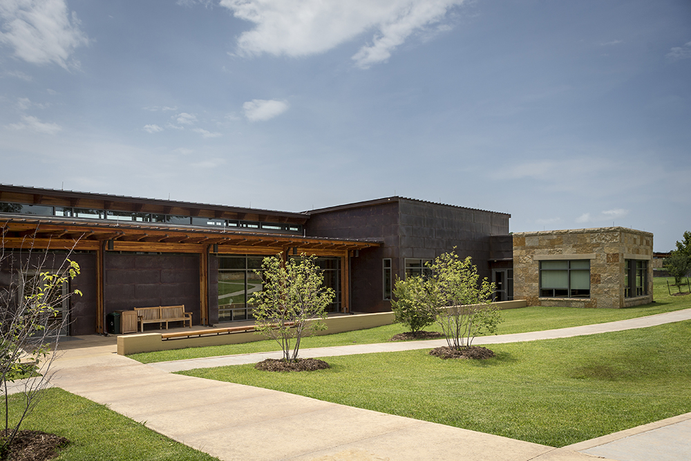 Holisso: The Center for Study of Chickasaw History and Culture